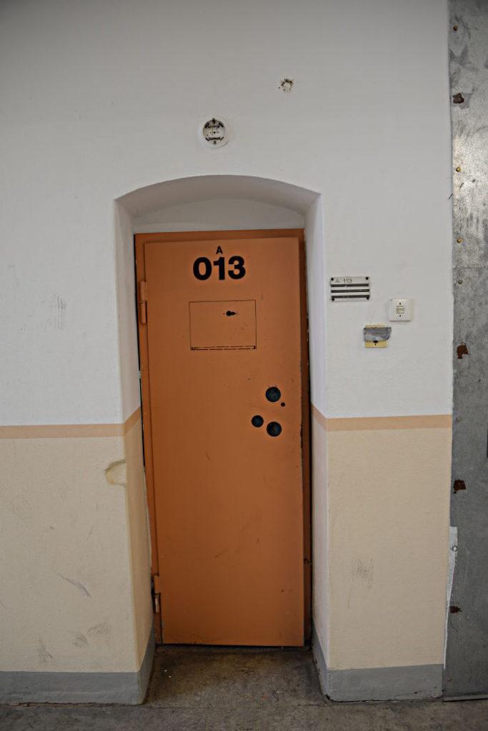 Bild 10: Eine Gefängnistür, nach 1990 eingebaut, Aufnahme vom Juni 2018  (Foto: Vladimir Shvemmer)