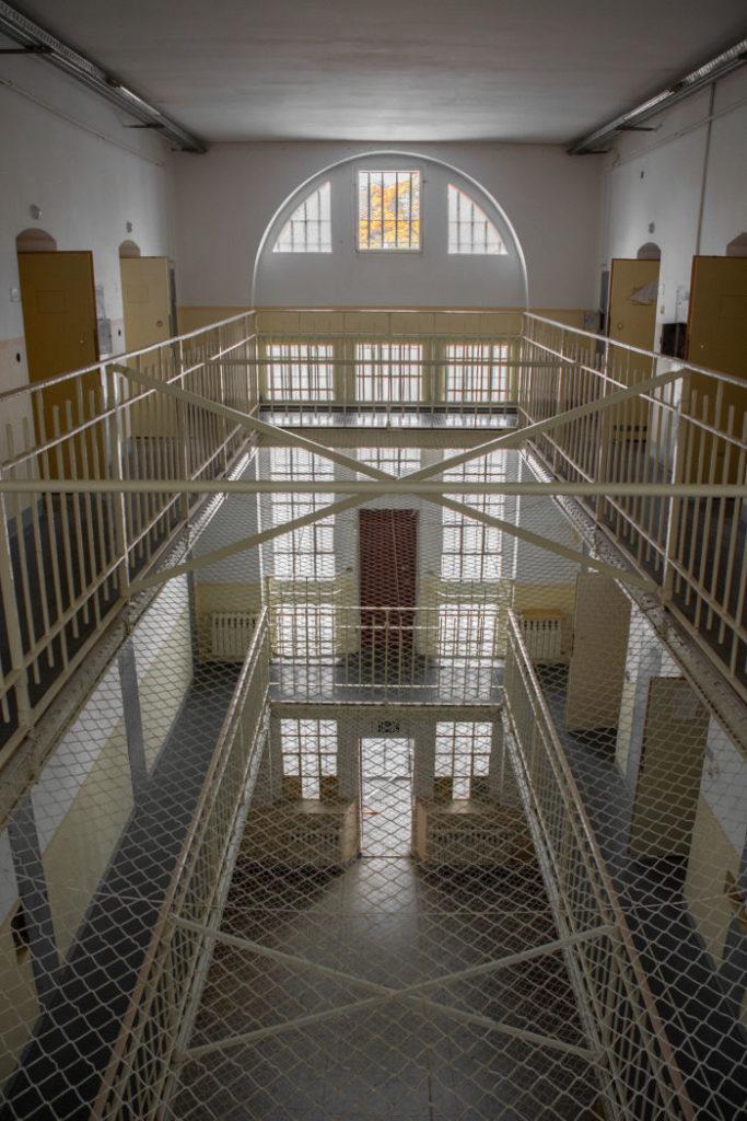 Bild 11: Blick in den A-Flügel, die Untersuchungshaftanstalt, Aufnahme vom Frühjahr 2018 (Foto: Marcel Ludwig)